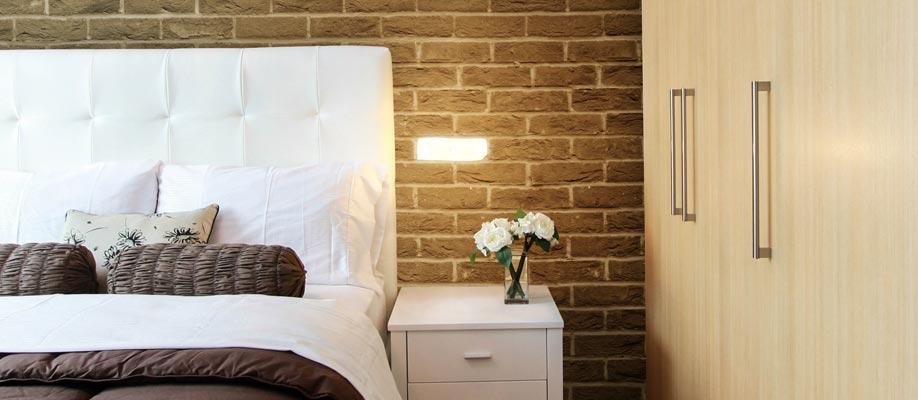 Illuminazione incasso parete camera da letto